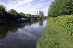 Strijd` s Rivier - Uxbridge, Middlesex, het Verenigd Koninkrijk Stock Afbeelding