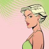 Strikt kvinna med kort hår Royaltyfria Foton