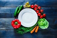 Strikt vegetarian och bantar matlagning arkivbilder