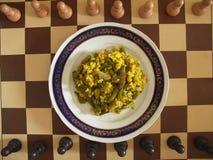 Strikt vegetarianmål på schackbräde Royaltyfri Bild