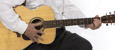Strimpellare della chitarra fotografia stock libera da diritti