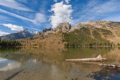 String湖Teton反射 库存照片