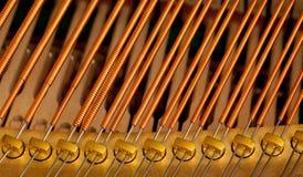 Stringhe del piano nella macro fotografie stock libere da diritti