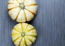 2 striped белые тыквы Стоковое фото RF