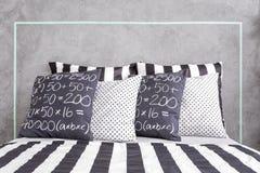 Striped листы и сделанные по образцу подушки Стоковые Изображения RF