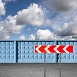 Striped опасный дорожный знак поворота Стоковая Фотография RF