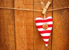 Сердце красного цвета и белых striped Стоковое Изображение RF