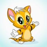 Маленький милый котенок указывая его рука Striped апельсином усаживание кота Стоковая Фотография