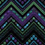 Stripes яркая племенная безшовная картина с зигзагом Стоковое фото RF