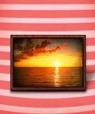 stripy solnedgång för bakgrund royaltyfri bild