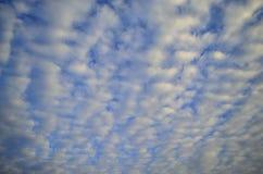 Strisce della nuvola Immagini Stock