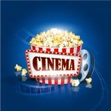 Striscia di pellicola e popcorn della macchina fotografica su fondo blu Illustrazione dettagliata di vettore Immagine Stock