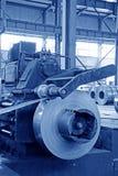 Striscia e strumentazione meccanica in una fabbrica Immagini Stock Libere da Diritti