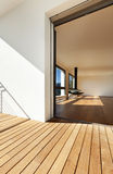 strömförande förbise för balkongingång Arkivfoton