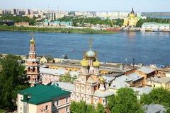 Stroganov教会和大教堂涅夫斯基Nizhny Novg春天视图  库存图片