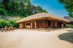 Strohdachhaus am literarischen Dorf von Kim Sie jeong in Chuncheon, Korea lizenzfreies stockbild