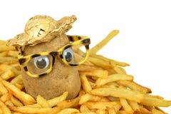 Strohoed op aardappel in gebraden gerechten Stock Afbeeldingen