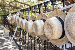 Strohoeden voor huwelijksdecoratie close-up stock foto