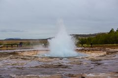 strokkur Исландии гейзера извержения Стоковое Фото