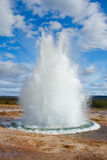 strokkur Исландии гейзера Стоковая Фотография RF