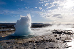 Geyser exloding in Iceland Royalty Free Stock Photos