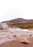 Strokkur geysir, Haukadalur谷,西南冰岛 图库摄影
