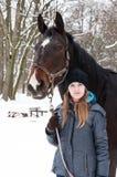 Stroll зимы с лошадью стоковое изображение rf
