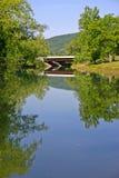 Strom u. Brücke Lizenzfreie Stockfotografie