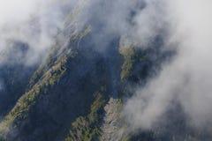 Stroma faleza w Francuskich alps przy lato czasem fotografia stock