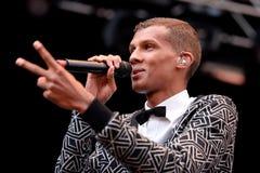 Stromae, Belgijski piosenkarz który bawić się dom, Nowego rytm i elektroniczną muzykę, wykonuje przy Heineken Primavera dźwiękiem Zdjęcia Royalty Free