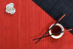 Stromat en eetstokjes stock afbeeldingen