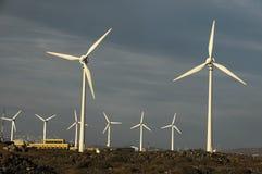 Stromgenerator-Windkraftanlage Stockbilder