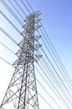 Stromleitung elektrischer Kontrollturm Stockfoto