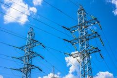 Stromleitung Kontrollturm Stockfotografie