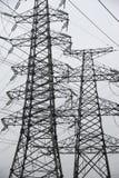 Stromleitungen in Schwarzweiss Lizenzfreies Stockbild