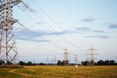 Stromleitungen Wald Lizenzfreie Stockbilder