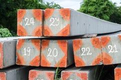 Strommast, ein konkreter Boden wurde gelegt Stockbilder
