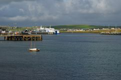 Stromness, de second-most dichtbevolkte stad in Vasteland Orkney, Schotland stock foto's