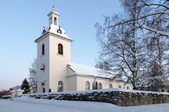 Stroms kyrka i vinter, Stromsund, Sverige royaltyfri foto