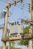 Stromversorgungs-Versorgungslinie Stockbilder