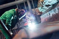 Stromverteilungshalle in der Metallindustrie Stockbild