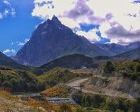 Stromy i niewygładzony Cerro Cloche, Ushuaia Patagonia obraz royalty free