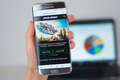 Strona internetowa Star Wars na telefonu ekranie fotografia royalty free