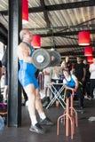 Strongman het opheffen gewicht bij kampioenschap Royalty-vrije Stock Foto