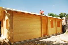 Stronniczo Budujący Drewniany dom Obrazy Royalty Free