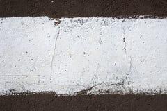 Strook van witte verf op de bestrating Stock Foto
