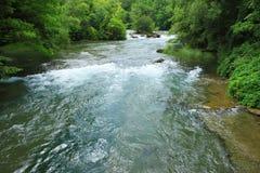 Stroomopwaartse rivier van Niagara-dalingen Stock Afbeeldingen
