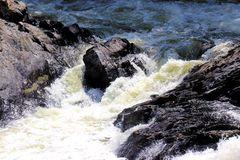 Stroomversnelling of stroomversnelling (whitewater) Stock Afbeelding