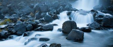 Stroomversnellingrivier in IJsland Royalty-vrije Stock Foto's