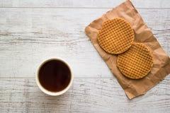 Stroopwafels/Waffles карамельки голландские с чаем или кофе Стоковые Изображения